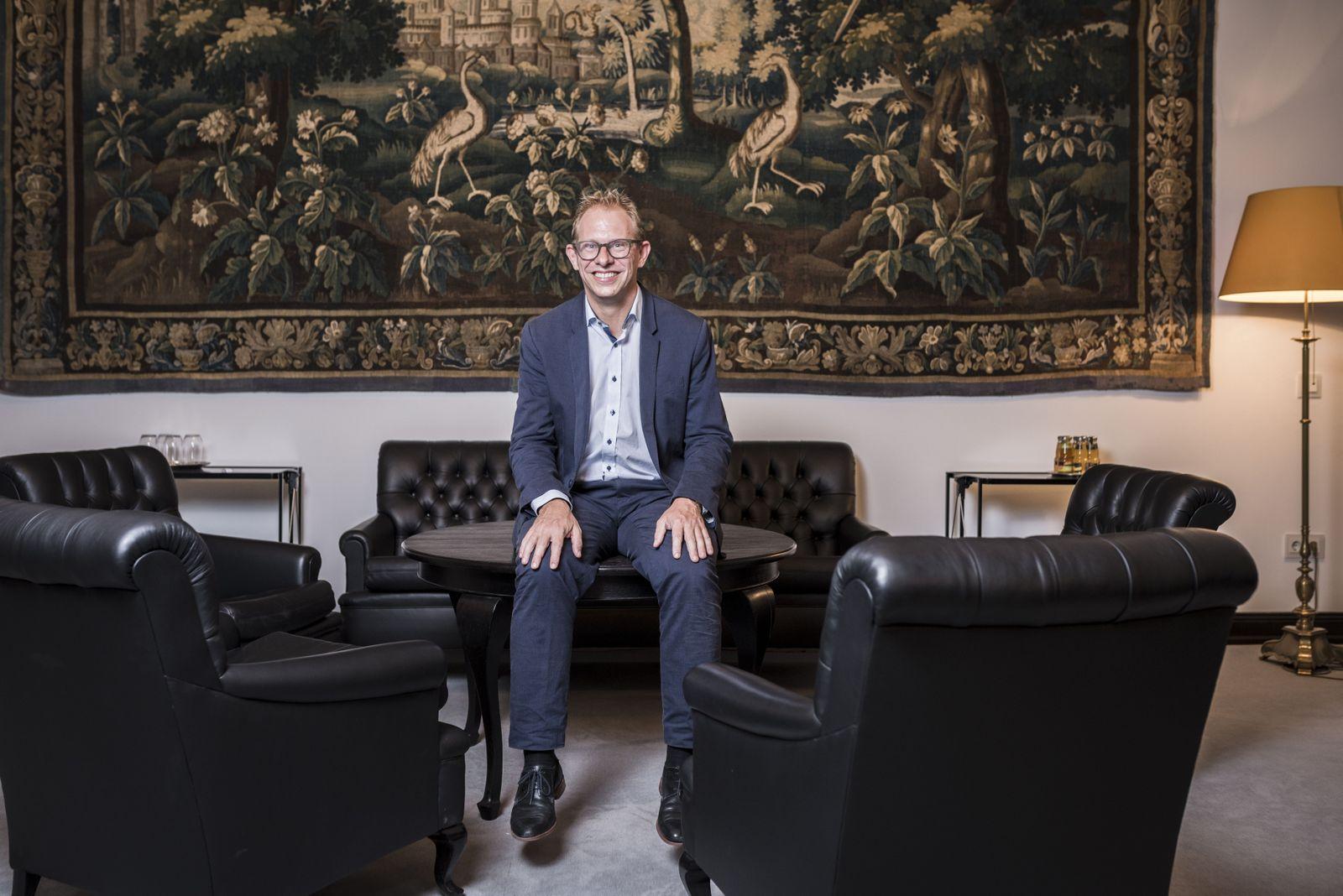 EINMALIGE VERWENDUNG SPIEGEL Plus 25/2017 S.10 HAMBURG: Tobias Bergmann