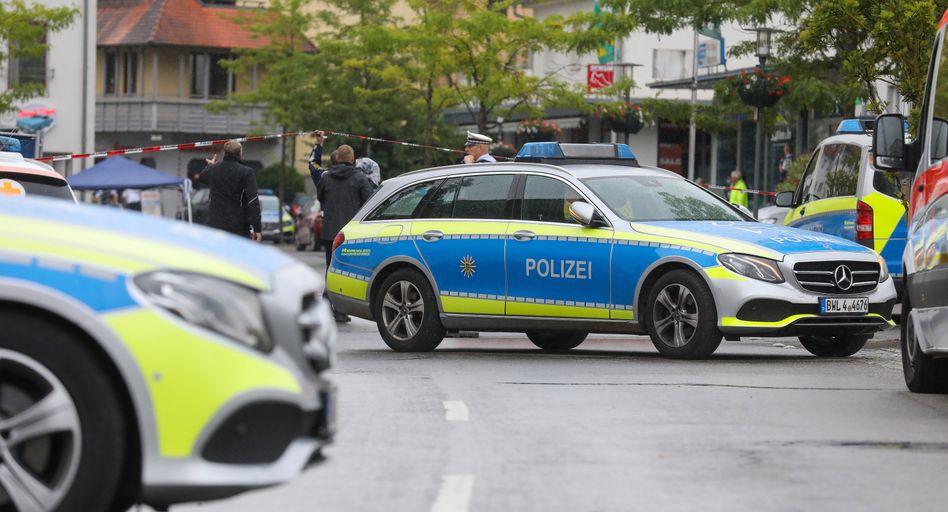 Einsatzkräfte der Polizei im Zentrum von Bad Schussenried