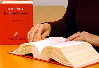 Juristen-Handwerkszeug: Nicht ohne meinen Schönfelder