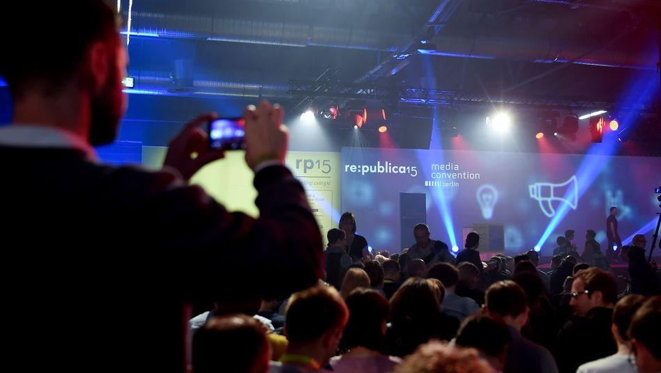 Besucher der re:publica in Berlin: Welche Fotos darf ich machen, welche darf ich veröffentlichen?