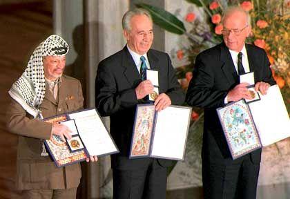 Friedensnobelpreisträger Arafat, Peres, Rabin 1994 in Oslo: Vertane Chancen, enttäuschte Hoffnungen