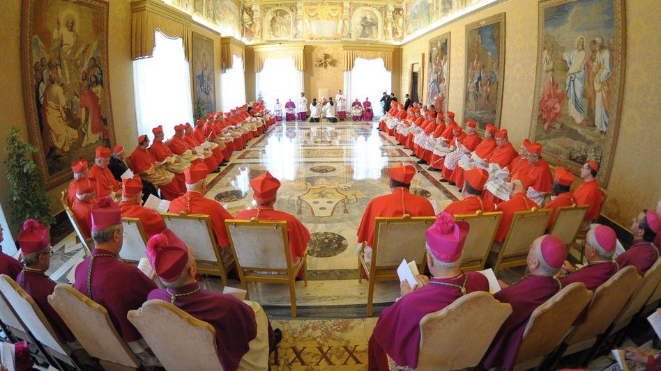 Kardinäle im Vatikan: Presseabteilung bediente sich bei Wikipedia