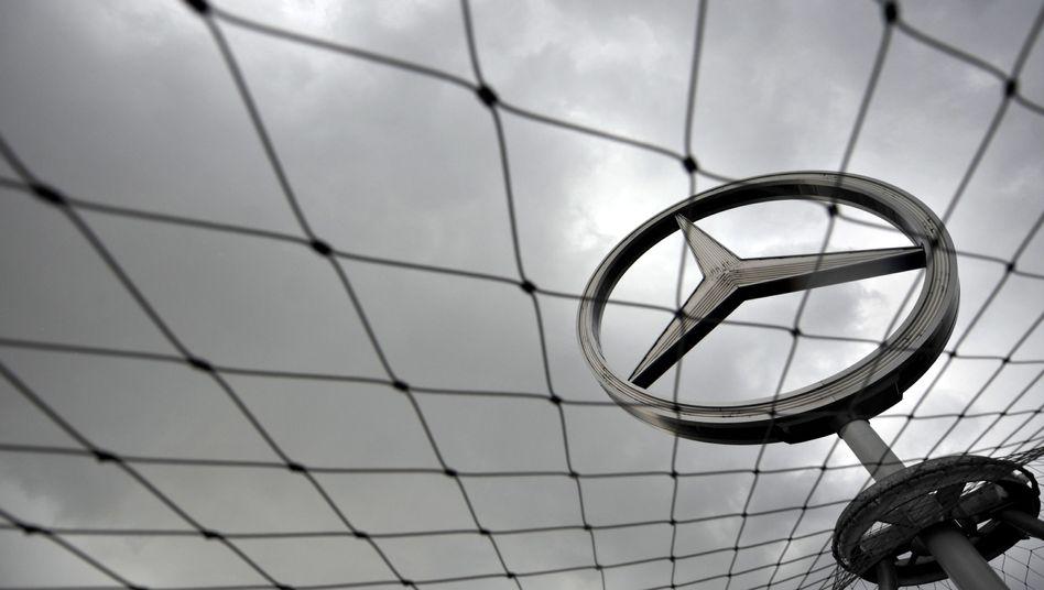 Mercedes-Stern: Hohe Beamte sollen Geld bekommen haben
