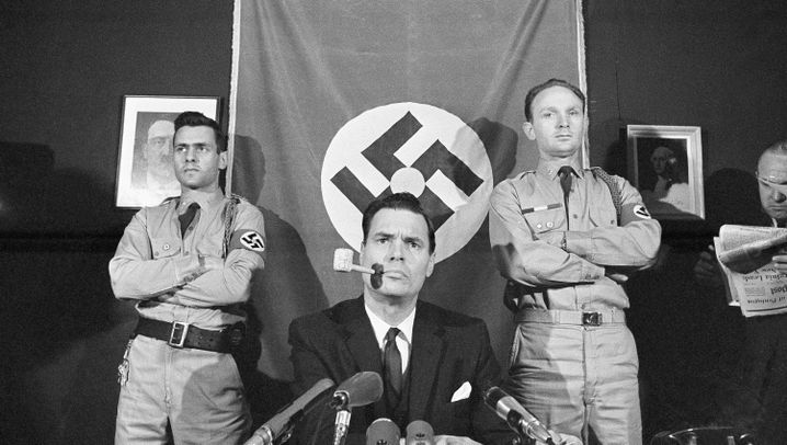 US-Nazis: Mit Uniform, Hakenkreuzen und Armversteifung