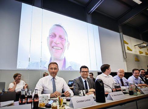 """Politiker Schulz bei Videoübertragung zur Fraktionssitzung: """"Jimmy, du rauchst"""""""