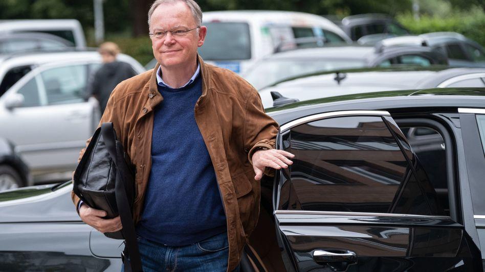 Niedersächsischer Ministerpräsident Stephan Weil auf dem Weg zur Haushaltsklausur