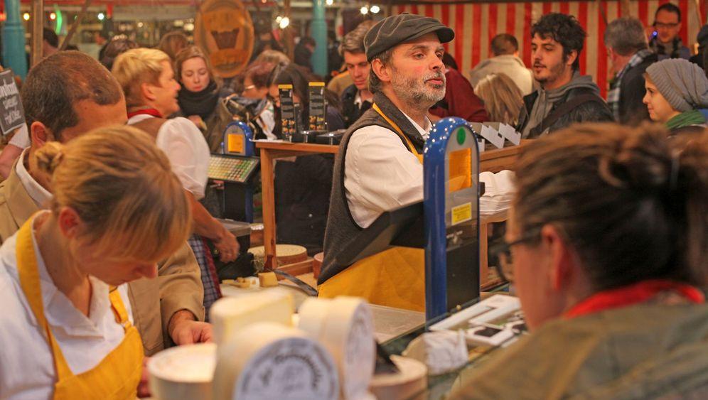 Historische Markthallen: Käse, Kirschen, kiloweise