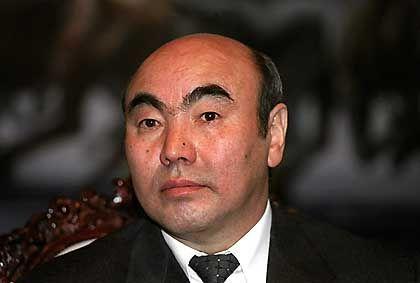 Kirgisiens Präsident Askar Akajew: Der Druck Russlands reichte nicht aus, die USA fern zu halten.