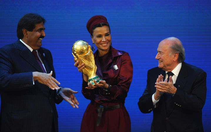 Scheich Hamad, Ehefrau Moza, Joseph S. Blatter
