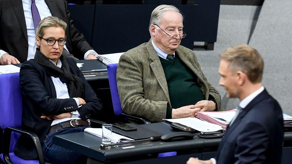 Sitzen im Bundestag nebeneinander: AfD-Fraktionsvorsitzende Alice Weidel und Alexander Gauland, FDP-Fraktionschef Christian Lindner