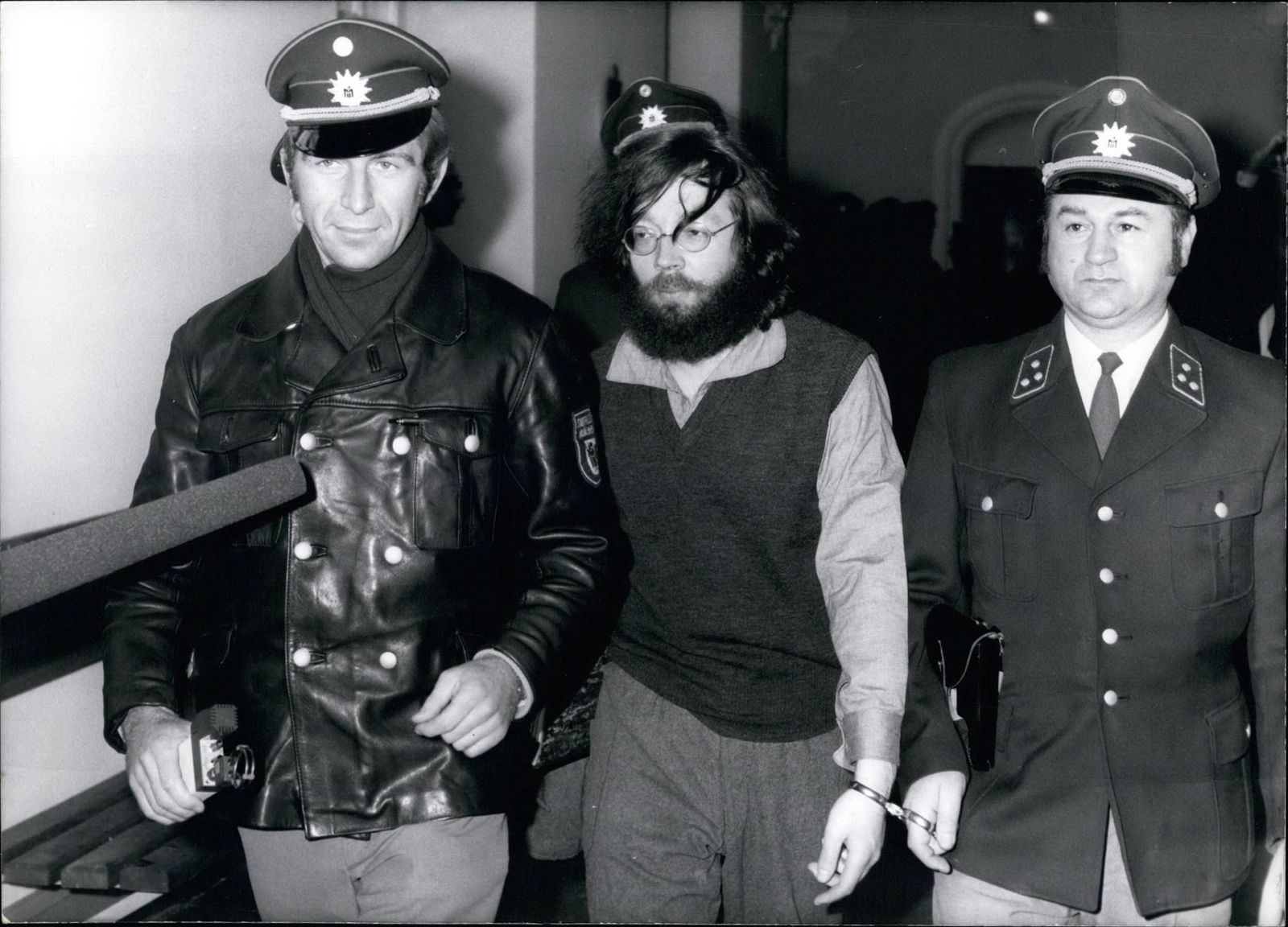 Attentat ju?dische Gemeinde 1970 - Jan 01 1971 The German Fritz Teufel again on trial On January 5th 1971 Fritz Teufel is again o