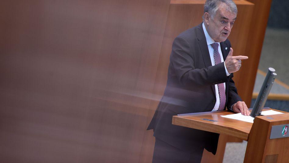 """CDU-Politiker Reul: """"Das ist mein klarer Auftrag an Sie"""""""