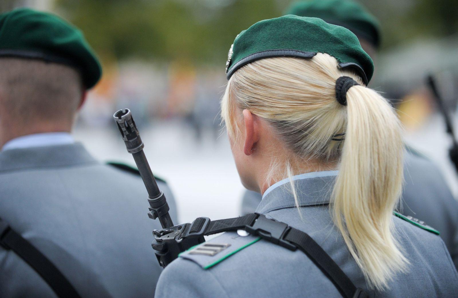 Bundeswehr/ Soldatin