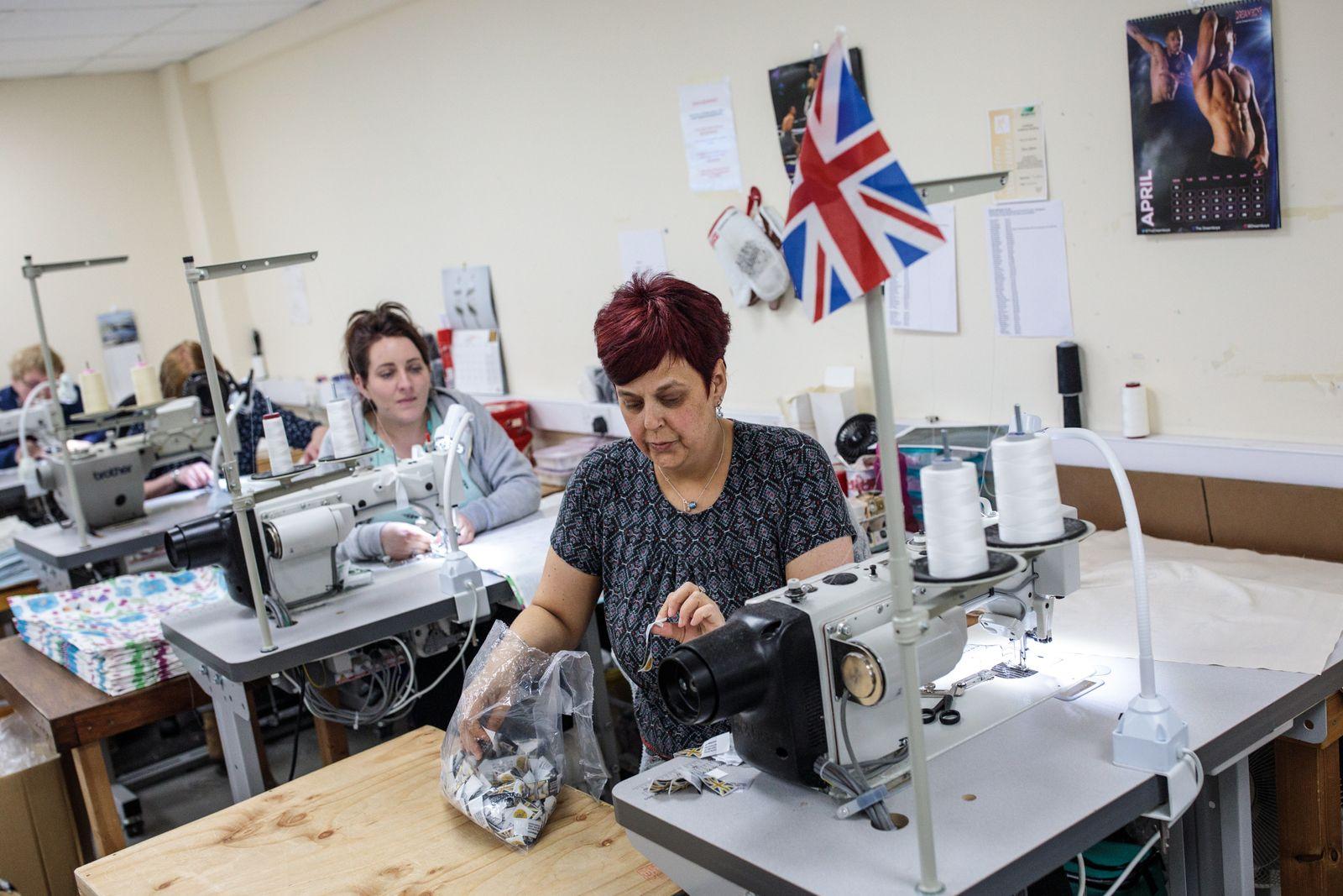 England Konjunktur Wirtschaft Industrie