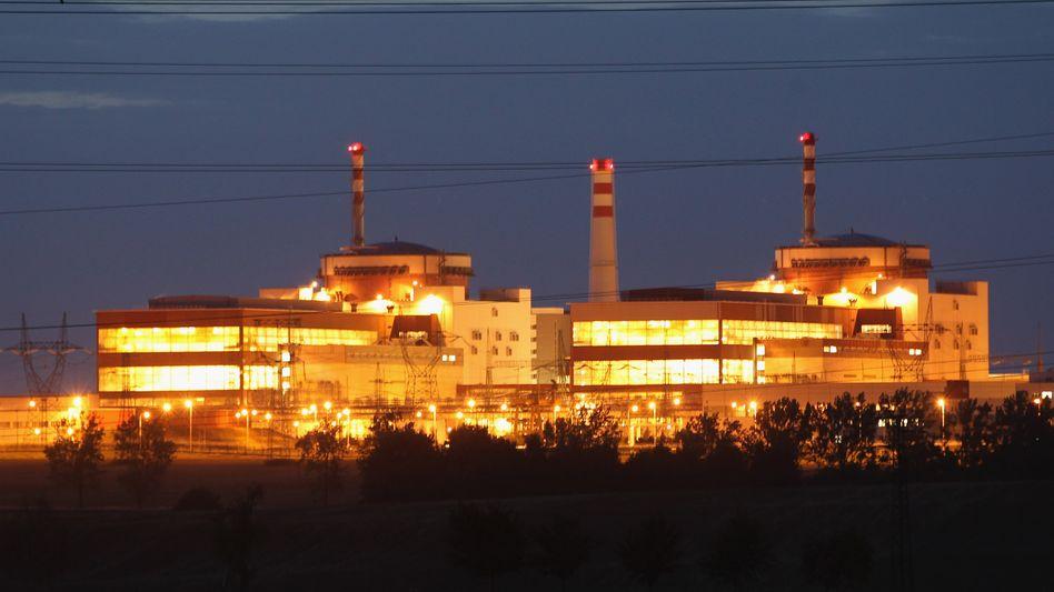 AKW Temelin: Umweltschützer fordern die Abschaltung des Atomkraftwerks in Südböhmen