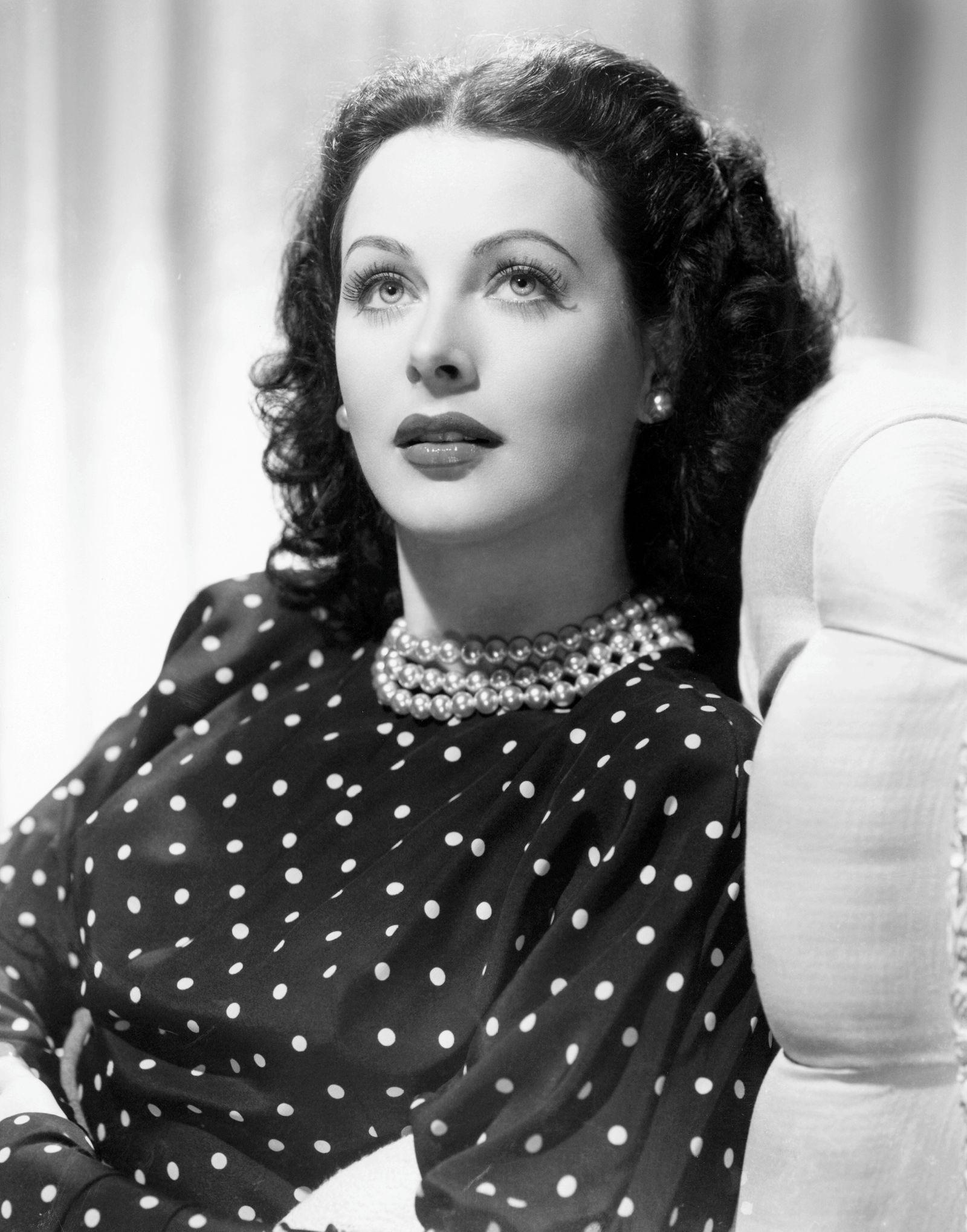 COMRADE X, Hedy Lamarr, 1940 Courtesy Everett Collection PUBLICATIONxINxGERxSUIxAUTxONLY Copyright: xCourtesyxEverettxCo