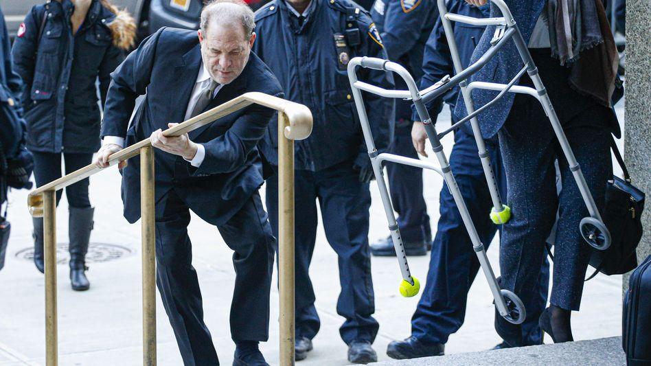 Harvey Weinstein auf dem Weg ins Gericht (8. Januar 2020)