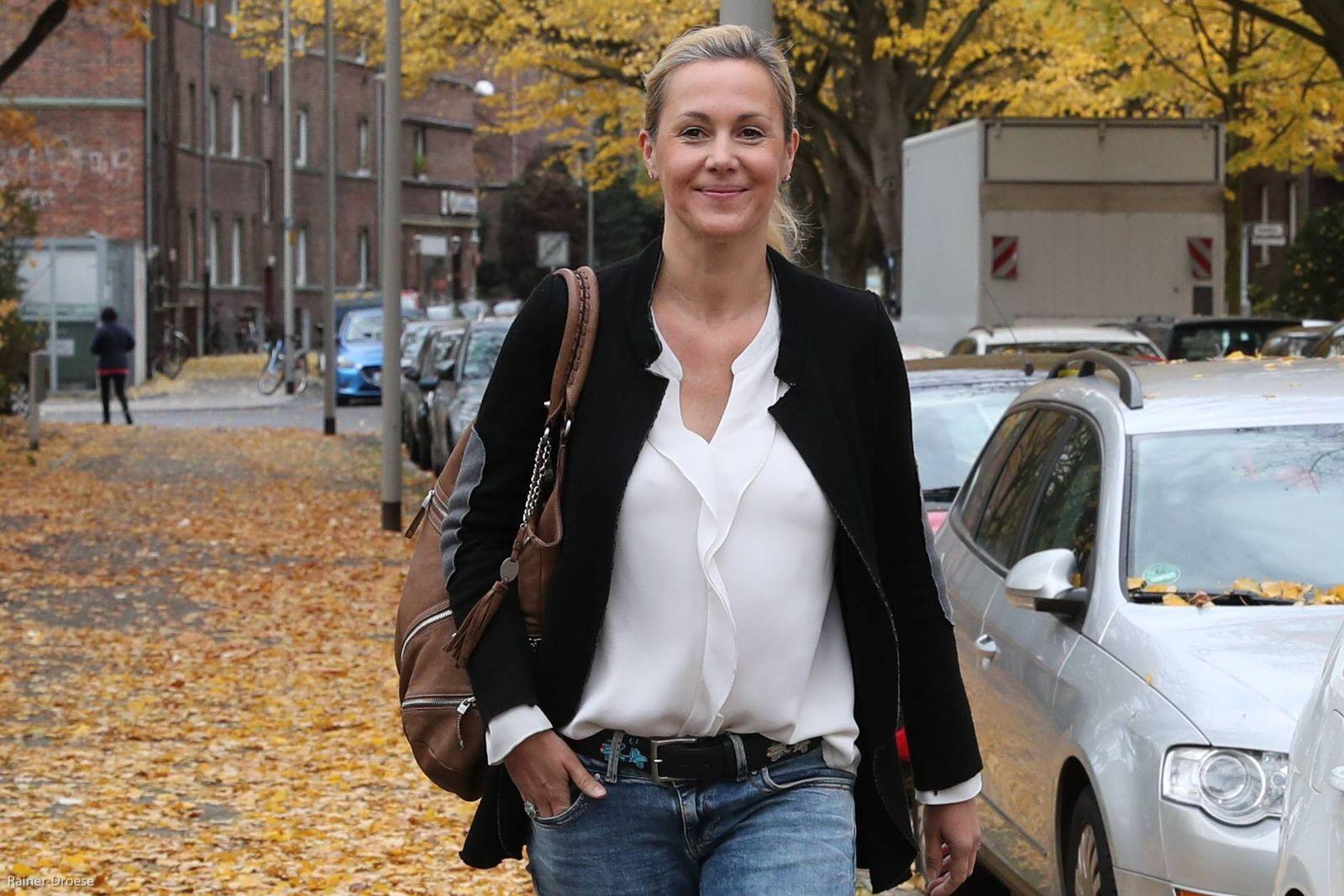 EINMALIGE VERWENDUNG Bettina Wulff