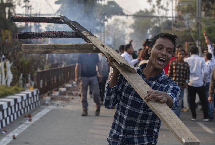 Proteste gegen das neue Staatsbürgerschaftsgesetz (im Bundesstaat Assam)