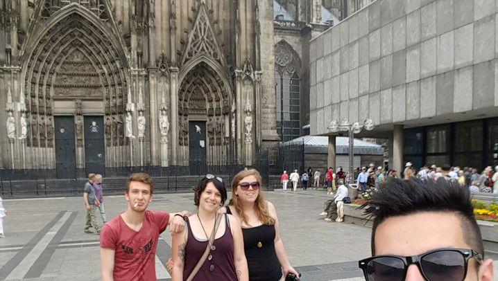 Bettina und Carina besuchen Flüchtlinge: Zwischen Wien und Schweden