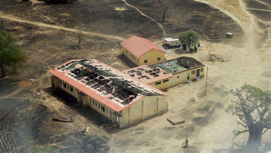 Zerstörte Schule in Nigeria: Angst vor der Rückkehr - Angst vor Radikalisierung