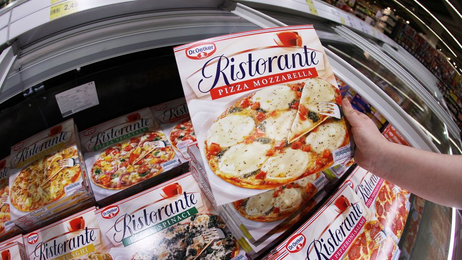 Frozen pizza from Dr. Oetker.