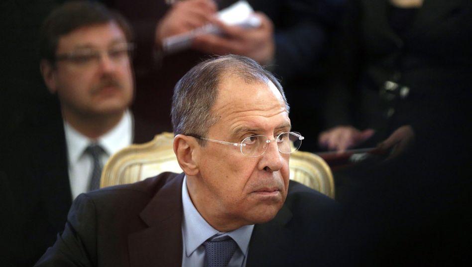 Russlands Außenminister Lawrow: Kiew soll interne Angelegenheiten allein regeln