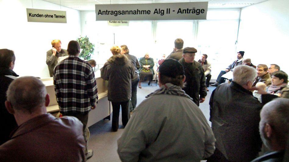 Arbeitsagentur in Leipzig (Archivbild): Transferleistungen in Höhe von 41,6 Milliarden Euro