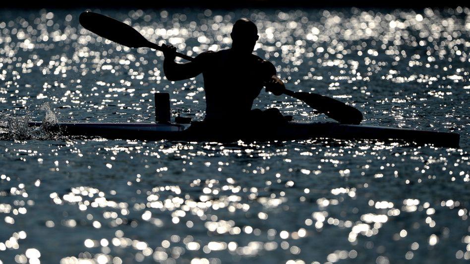 Kajak-Fahrer: Die richtige Körperhaltung ist beim Paddeln entscheidend