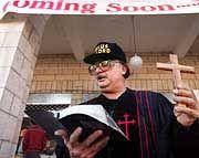 Die Erlösung ist nah: Selbst ernannter Prediger in Aktion