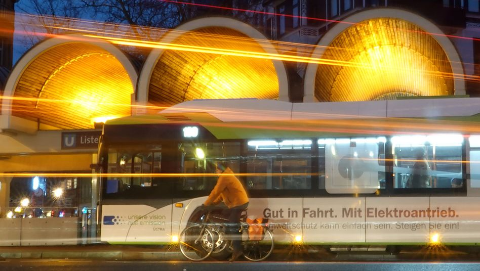 Leerer Bus in Hannover: Verheerende Umsatzverluste