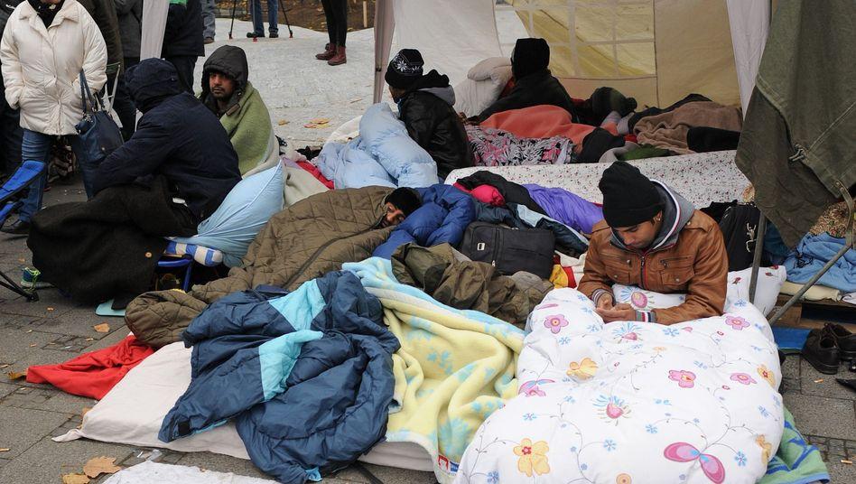 """Flüchtlinge vor der Räumung: """"Gefahr für Leib und Leben"""""""