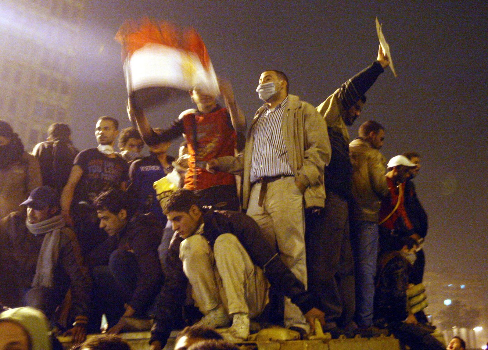 Egypt under curfew - barrikadenbild