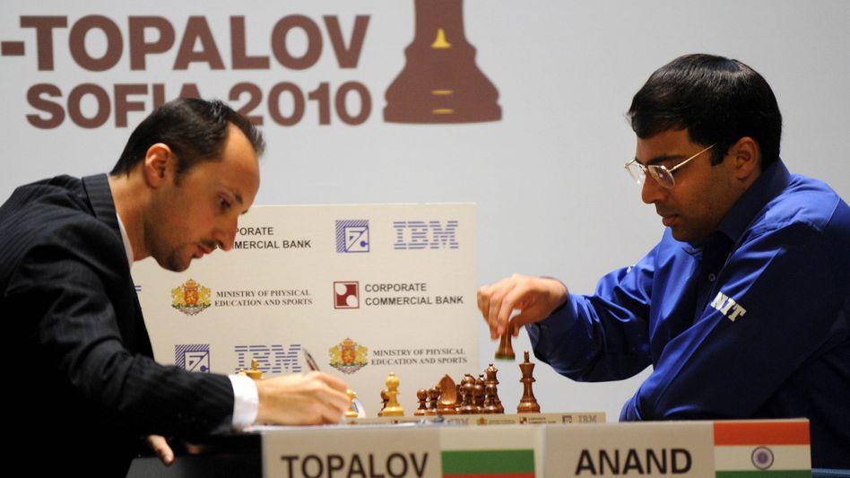 Schachspieler Topalov: Unentschieden gegen Viswanathan Anand