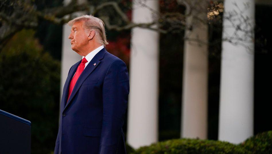 Donald Trump beim Pressestatement zum Corona-Impfstoff im Rosengarten