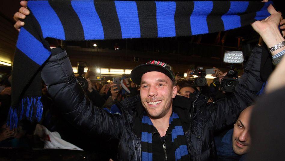 """Podolski bei der Ankunft in Mailand: """"Ich bin sehr glücklich"""""""
