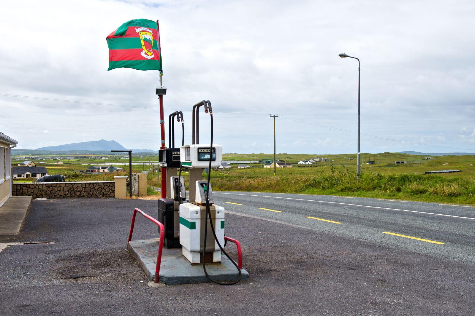 Petrol station at Mullet Peninsula County Mayo Ire