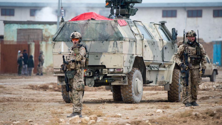 Bundeswehrsoldaten in Masar-i-Scharif (2013): Verdächtige Namen auf der Liste