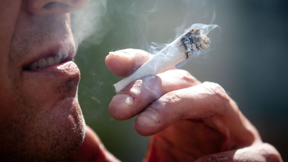 Hasch-Raucher: Bundestag debattiert über Freigabe