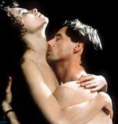 Neue Lust auf Nähe: Die Deutschen wollen kuscheln wie Helena Bonham Carter und Linus Roache in dieser Henry-James-Verfilmung