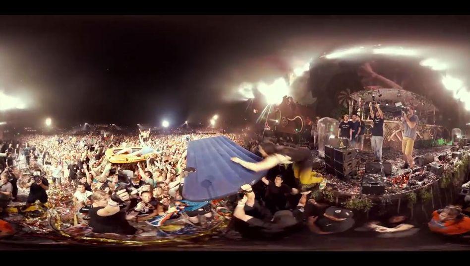 Feierszenen vom Festival Tomorrowland: Jetzt auch mit Rundumsicht - zumindest auf bestimmten Geräten