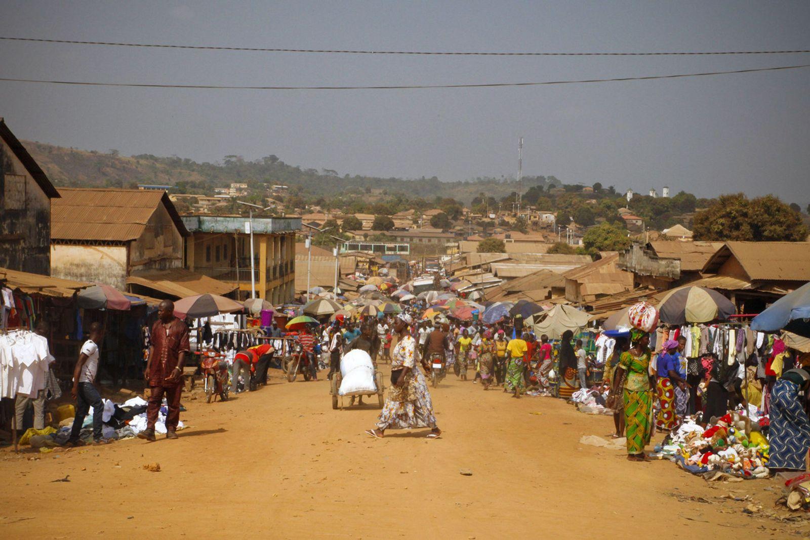 Guinea/ Marktstrasse