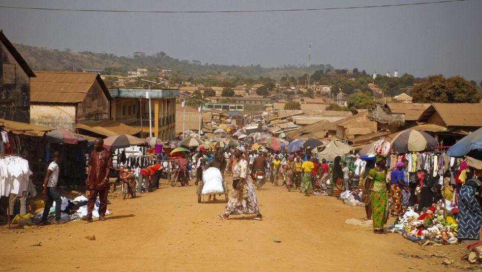 Markt in Guinea: Ebola ist in Westafrika noch nicht besiegt
