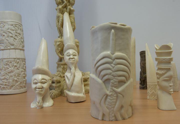 Sichergestellte Gegenstände aus Elfenbein in Berlin