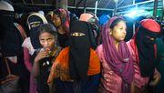 300 Rohingya-Flüchtlinge landen auf Sumatra - nach sechs Monaten auf See