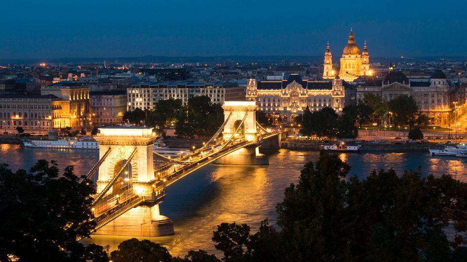 Budapest: Die EU will demokratische Grundsätze notfalls erzwingen
