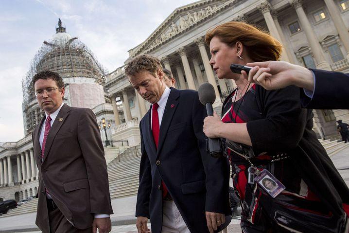 Republikaner Rand Paul (Mitte): Kampf gegen NSA wird von der Basis nicht goutiert
