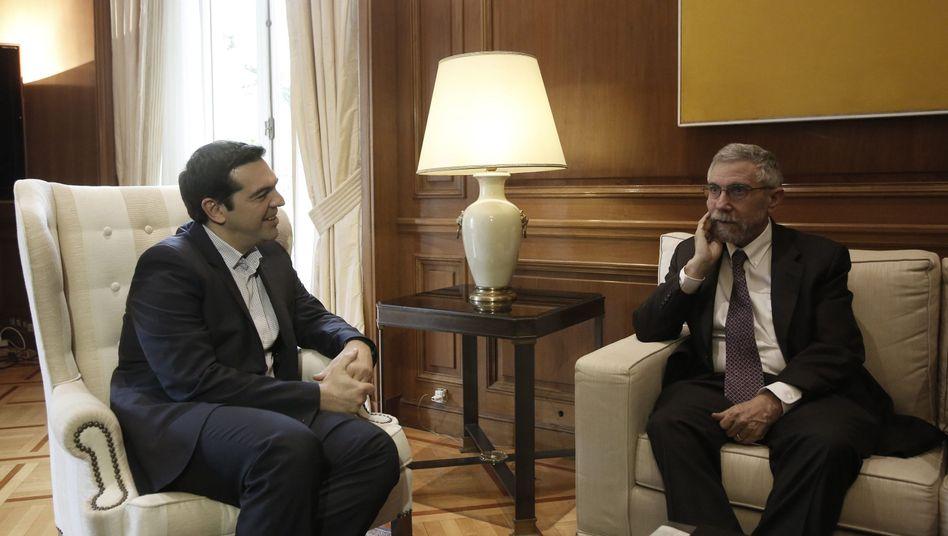 Ökonom Krugman (r.) und Ministerpräsident Tsipras: Kompetenz überschätzt?