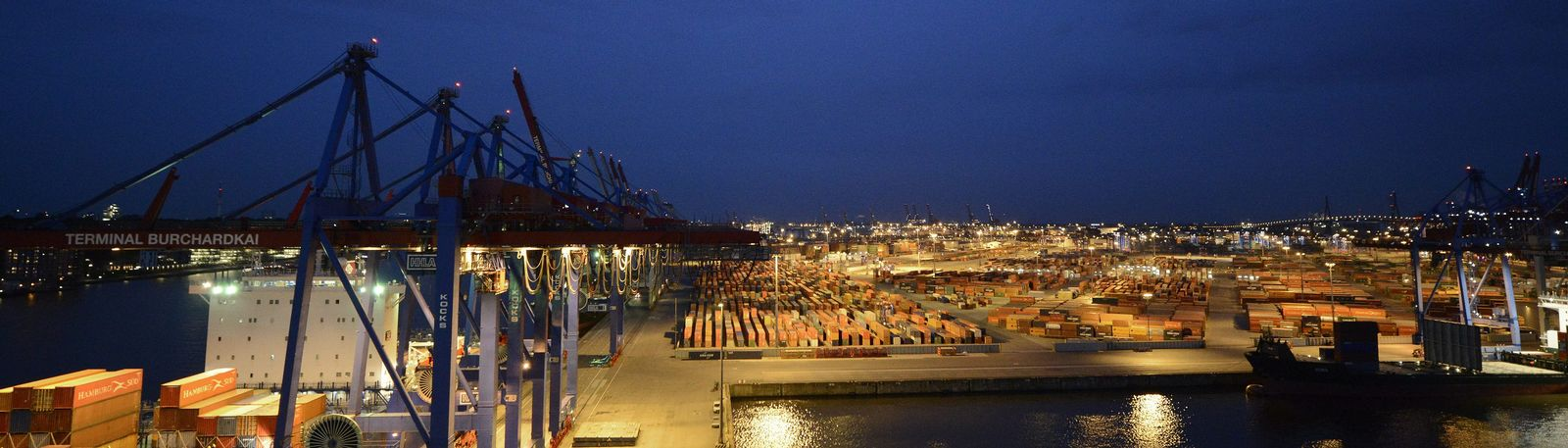 "File photo of container terminal ""Burchardkai"" of the Hamburger Hafen und Logistik AG in the harbour of Hamburg"