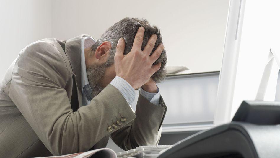 Stress im Büro (Symbolbild): Ständige Erreichbarkeit kann zu psychischen Störungen führen